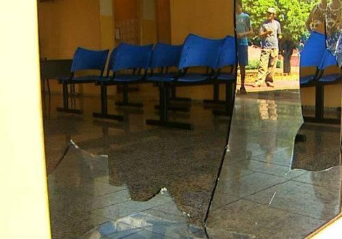 Funcionários de pronto-socorro são afastados após morte de adolescente