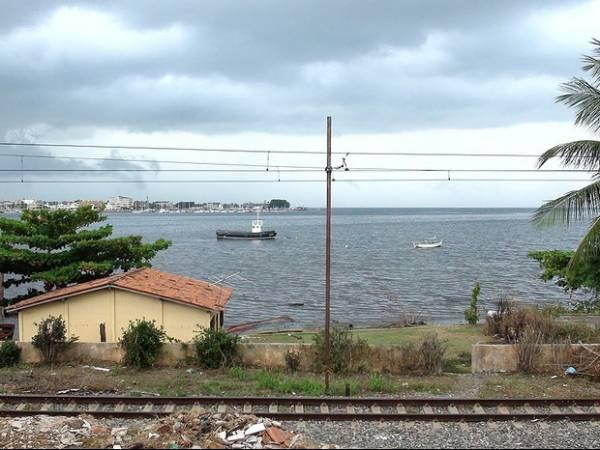 Petróleo é achado em fundo de casa de moradora do Lobato, em Salvador
