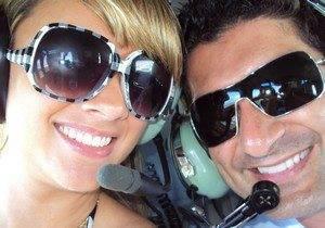 Ex que ameaçou Roberta Brasil, ex-sister, posta fotos com celebridades
