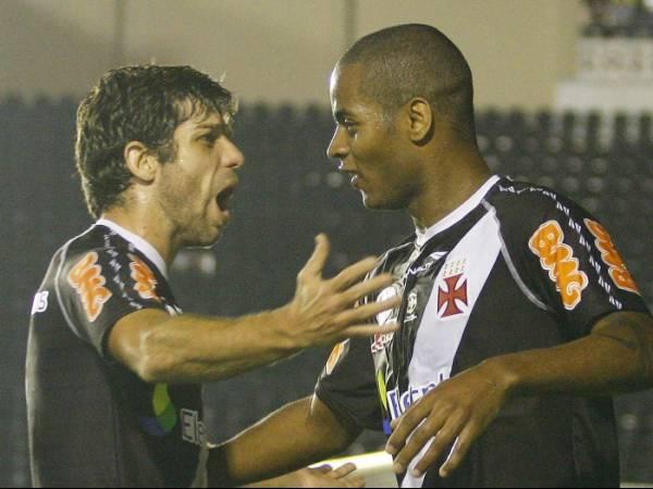 Investidores compram Dedé e podem levá-lo ao Corinthians