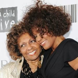 Mãe de Whitney conta a Oprah como soube da morte da cantora