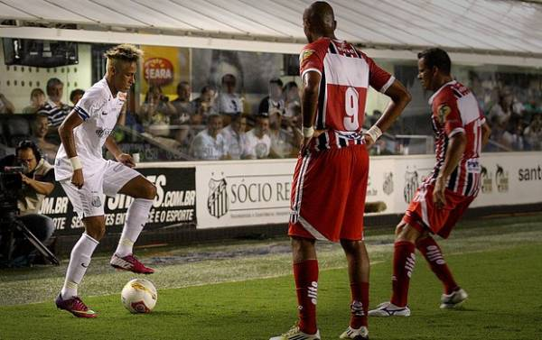 Neymar foi desrespeitoso, diz Nunes: