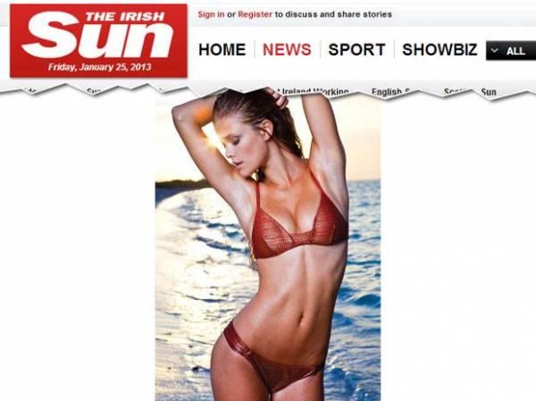 Nina Swans posa de biquíni para campanha de marca