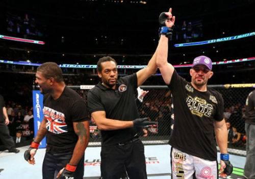 Glover Teixeira vence Rampage por pontos e dá passo importante no UFC