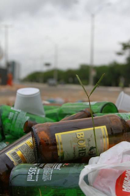 Foliões criticam falta de segurança e sujeira depois de festa em Teresina