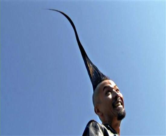 Recorde: Japonês possui o maior moicano do mundo com 113,5 cm