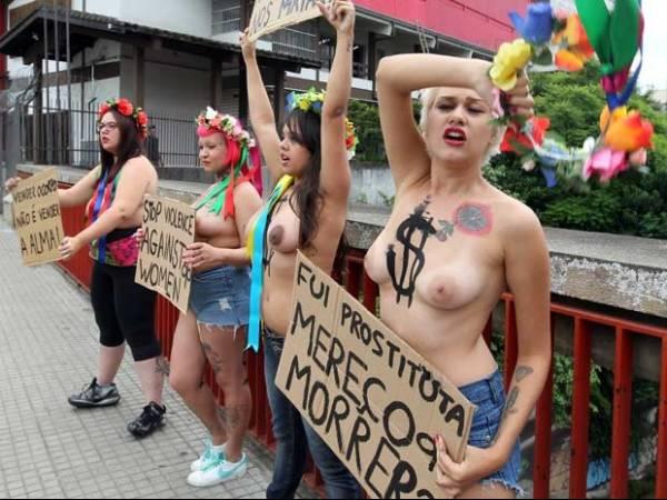Ativistas do Femen protestam contra assassinatos de prostitutas