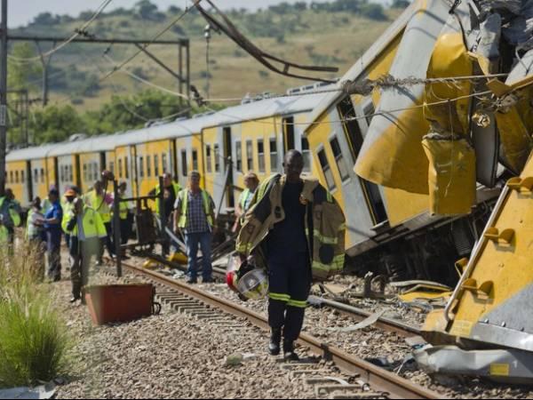 Colisão entre trens deixa ao menos 300 feridos na África do Sul