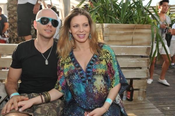 Alessandra Ambrósio e Sheila Mello curtem balada em Jurerê