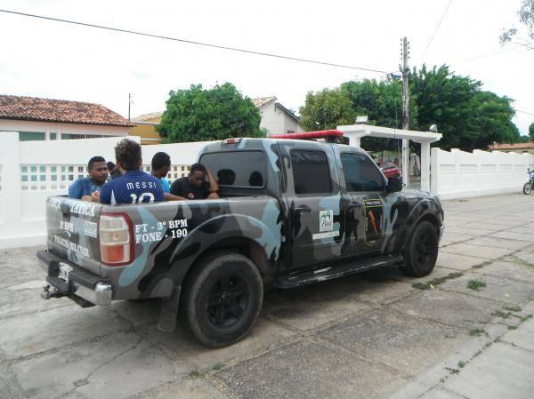Polícia Militar prende suspeitos por tráfico de drogas em Floriano-PI