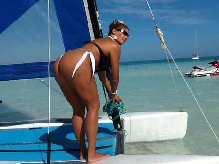Ângela Bismarchi revela local da ?primeira vez? em Cancún: ?no banho, na praia e dentro do iate?