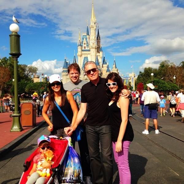 Ticiane Pinheiro curte férias na Disney com Rafa Justus e enteados