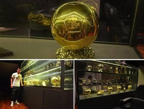 Messi abre a casa e exibe coleção de Bolas de Ouro em seu