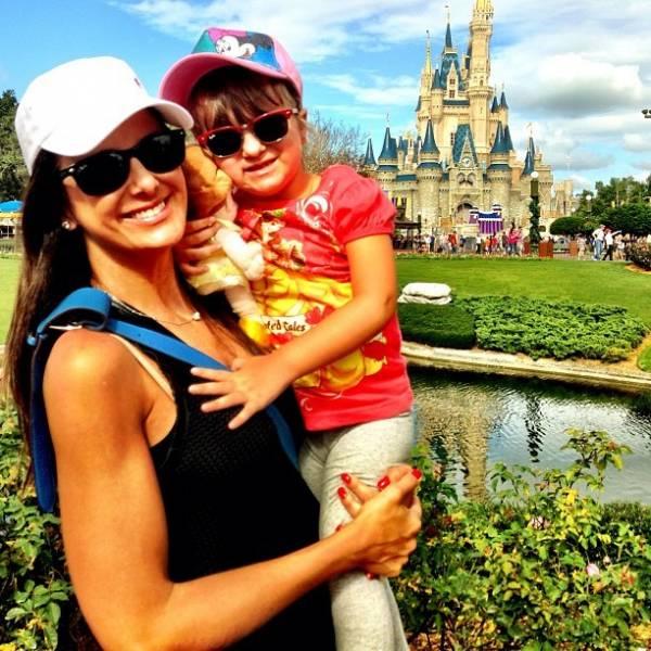 Tice Pinheiro posta foto e mostra passeio com Rafaella nos EUA