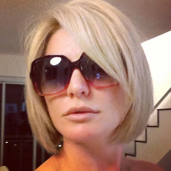 Antonia Fontenelle corta as madeixas e exibe look chanel no Instagram