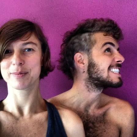 Namorado novinho de Maria Paula pinta o cabelo de roxo