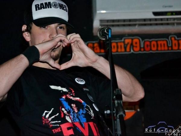 Polícia investiga morte de músico na Zona Oeste no Rio
