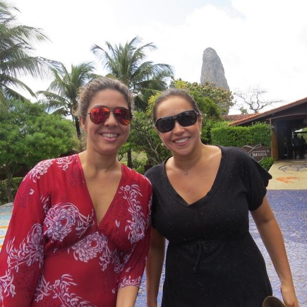 Daniela Mercury e Malu Verçosa passam lua de mel em Noronha