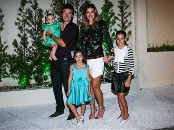 Rodrigo Faro comemora 40 anos com a família e amigos famosos