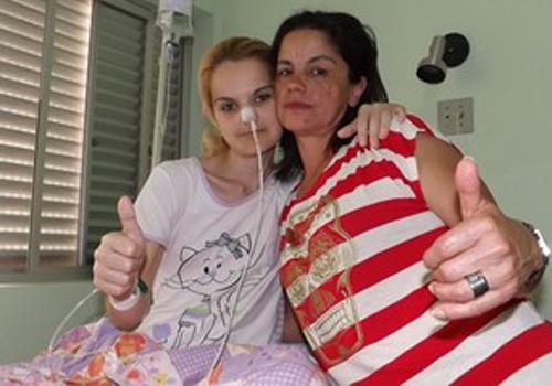 Após ganhar 10 kg, mulher com anorexia decide mostrar o rosto