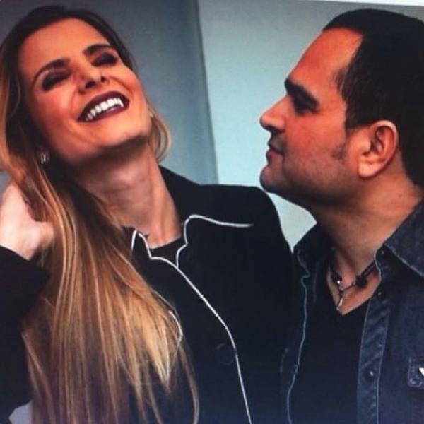 Flávia Camargo comemora 10 anos de casamento com cantor Luciano