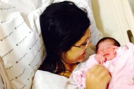 Kamilla Covas não recebeu felicitações do patrão após parto: