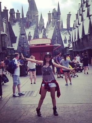 Após postar fotos, Anitta desperta ira de fãs de Harry Potter