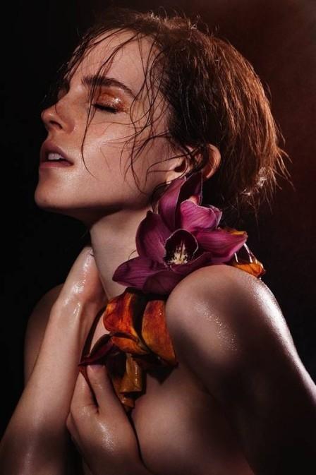 Emma Watson, musa da saga ?Harry Potter?, posa sem roupa para livro
