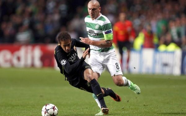 Técnico do Celtic reclama de Neymar: