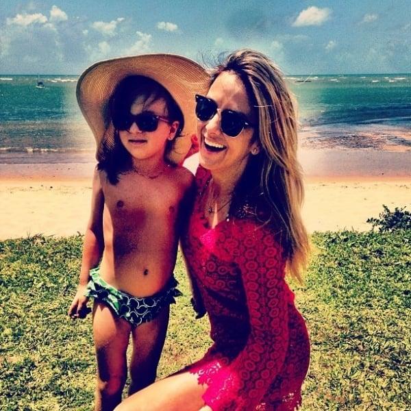 Ticiane Pinheiro e Rafa Justus posam lindas em praia: