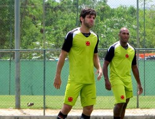 Vasco prioriza Brasileirão e decide vaga da Copa do Brasil com um titular