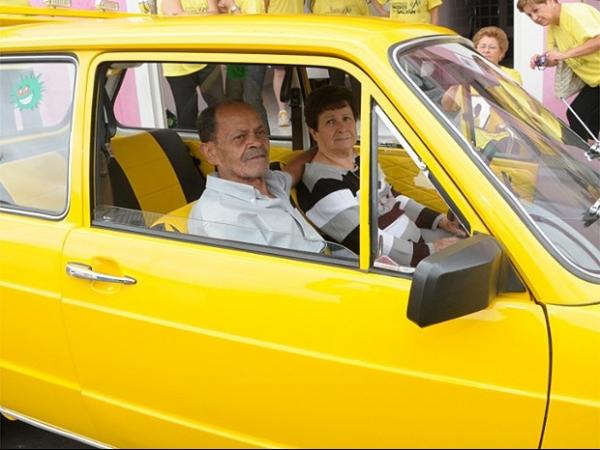Brasília amarela pode ajudar idoso a reencontrar irmã após 30 anos longe