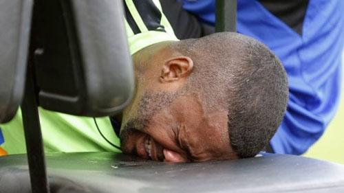 Goleiro Felipe deixa o treino chorando e vira uma dúvida para próximos jogos