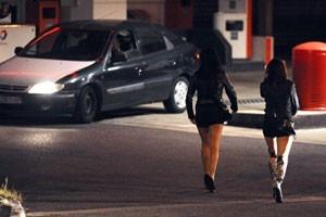 Prostitutas compram sangue para fingir virgindade e cobrar mais caro