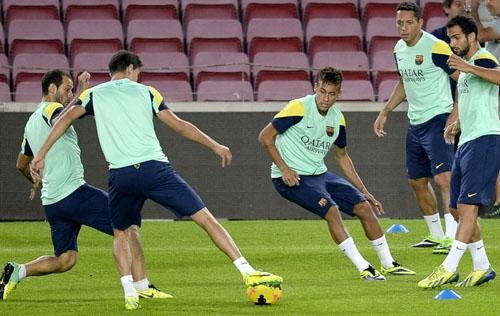 Neymar, Messi, CR7, Bale... Barça e Real fazem clássico da Bola de Ouro