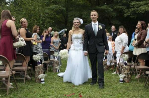 Mulher doa rim e se casa com receptor de transplante, quatro anos depois