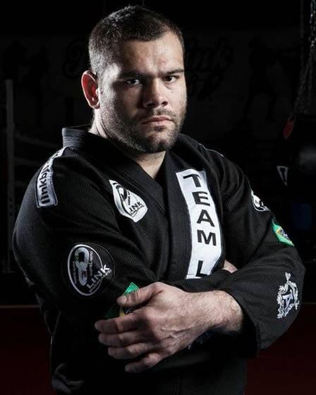 Nova namorada de Adriano, Bruna Gonzaga é irmã do lutador do UFC, Gabriel Napão