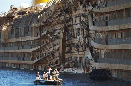 Mais restos humanos são encontrados onde Costa Concórdia naufragou na Itália