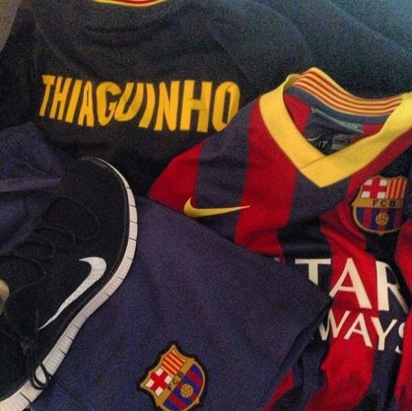 Neymar passeia por Barcelona com Thiaguinho e amigos: