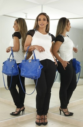 Valesca abre guarda-roupa avaliado em R$ 300 mil:
