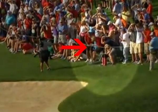 Golfista dá tacada e acerta a bola na cabeça de expectador nos EUA