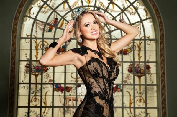 Sancler Frantz, a Miss Mundo Brasil 2013, fala sobre depilação