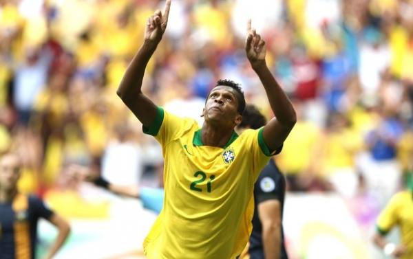 Dante elogia o Atlético-MG e brinca com Bernard: