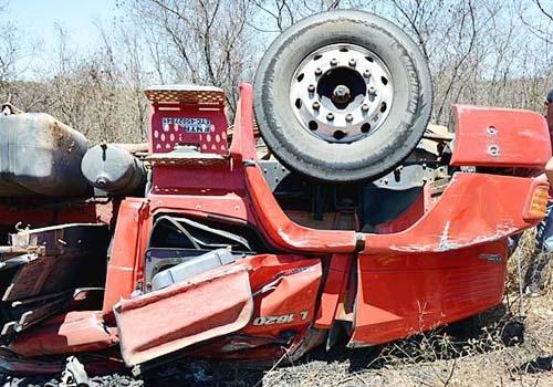 Motorista de caminhão morre em acidente na PI 255