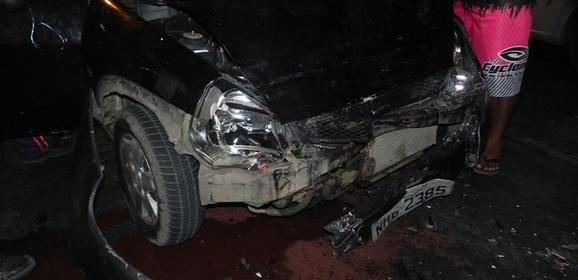 Acidente em avenida de Parnaíba deixa mulher muito ferida
