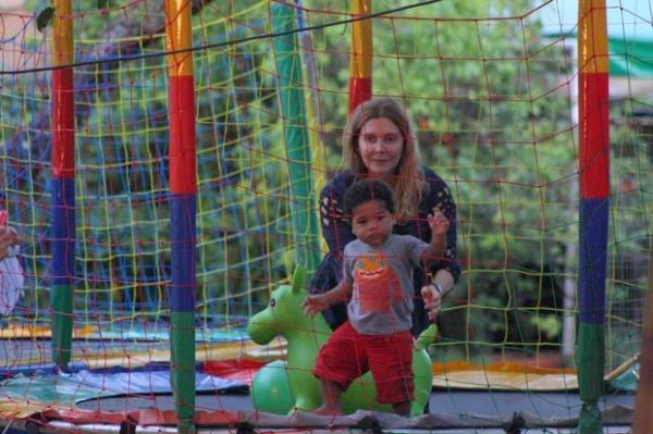 Adoção de criança por Maria Padilha deve ser oficializada em breve