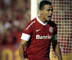 Leandro Damião quebra jejum de 12 jogos  e dá vitória ao Inter sobre o Fluminense