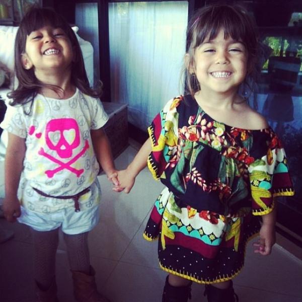 Giovanna Antonelli posta foto das filhas gêmeas e comemora aniversário