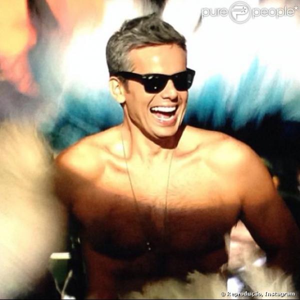 Globo proíbe Otaviano Costa de falar sobre polêmico striptease no
