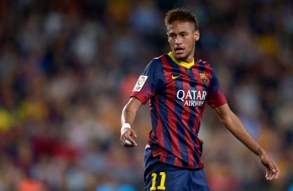 Tata Martino defende Neymar de acusações de